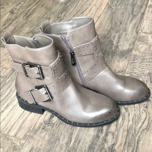 New Charles David Booties Size 7.5
